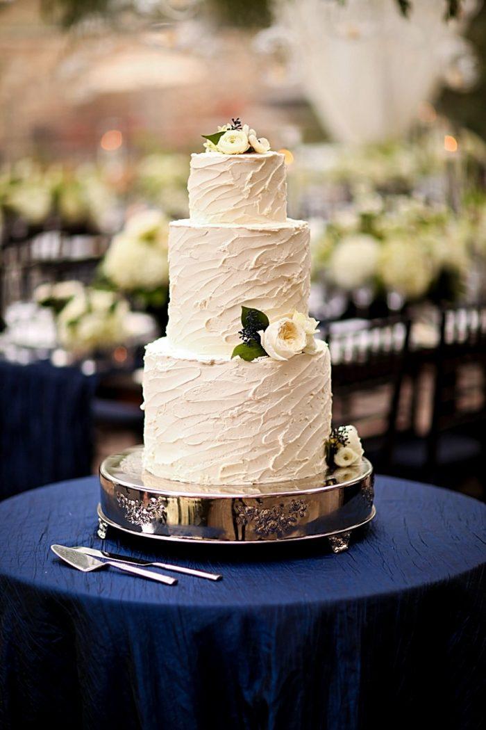 20b-rustic-white-wedding-cake-Park-City-Utah-Wedding-Pepper-Nix-Photography