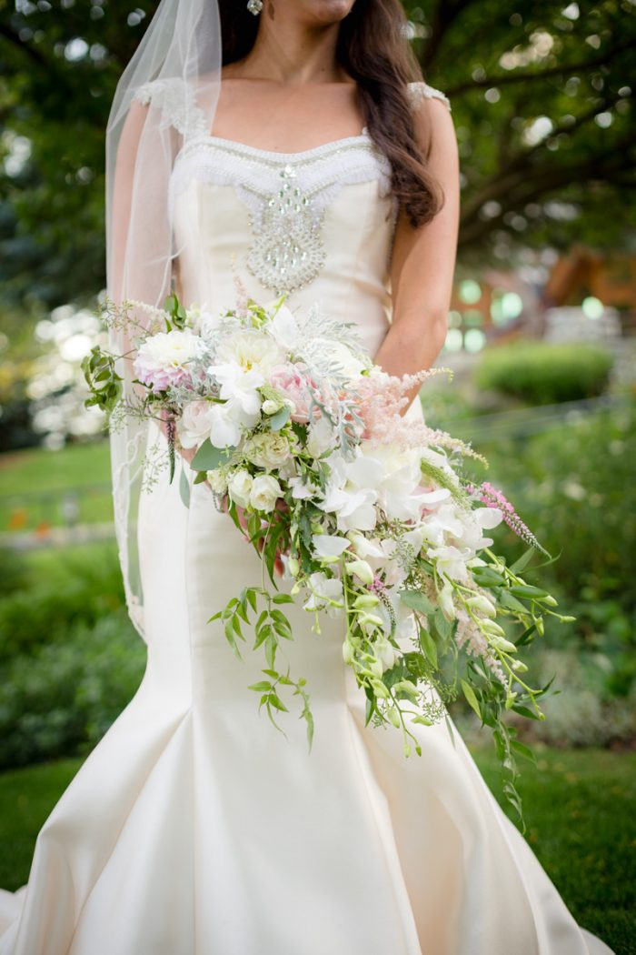 White Bridal Bouquet | Lake Tahoe Wedding | Eric Asistin Photographer