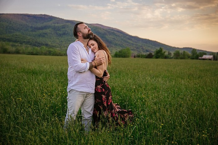 Grandfather Mountain Engagement with Cozy Bohemian Style