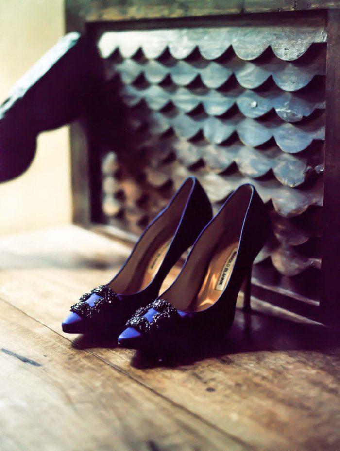 blue wedding shoes | Copper Mountain Wedding Colorado Danielle DeFiore Photography | Via Mountainsidebride.com