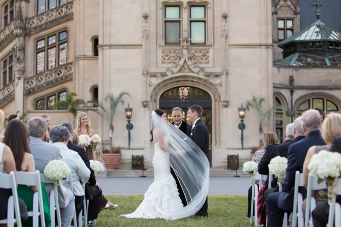 14 Asheville Event Co Bride With Veil | Via MountainsideBride.com