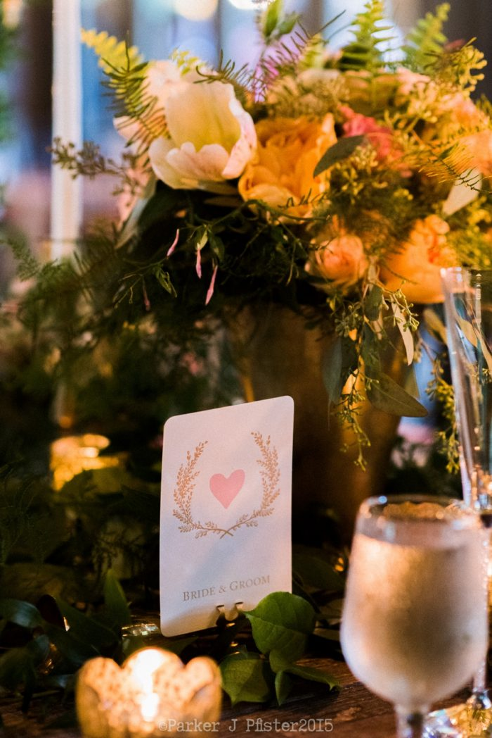 Place Settingflorals Cashiers NC Wedding | Parker J Pfister |via Mountainside Bride