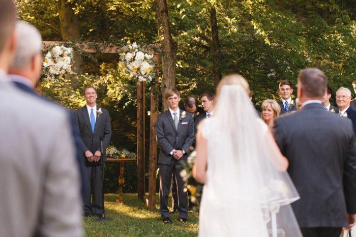 17 Here Comes The Bride Daras Garden Tennessee Wedding Jophoto Via Mountainsidebride Com