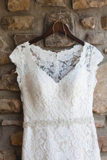 2a Lace Wedding Gown Daras Garden Tennessee Wedding Jophoto Via Mountainsidebride Com