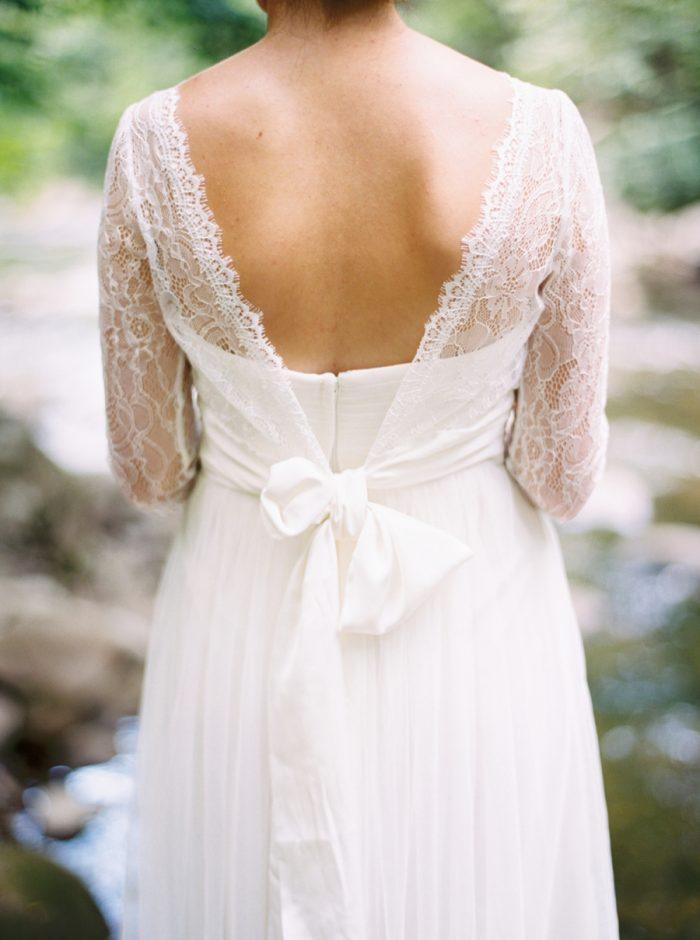 7 Spence Cabin Intimate Wedding | JoPhoto | Via MountainsideBride.com