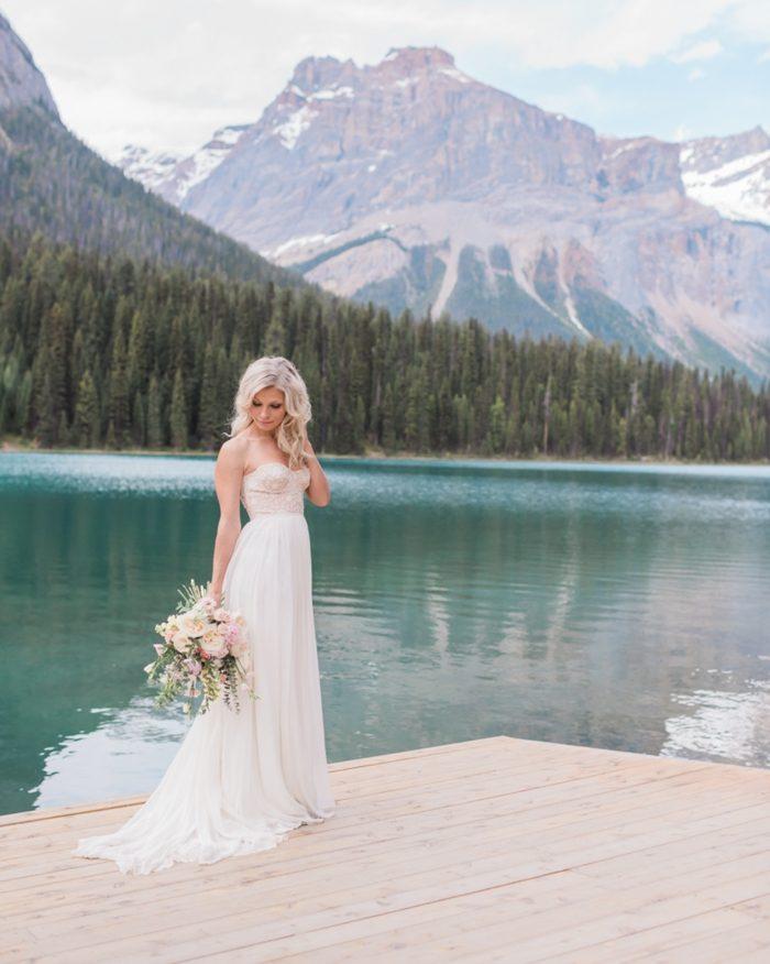 16 Emerald Lake Canadiian Rocky Mountain Styled Shoot