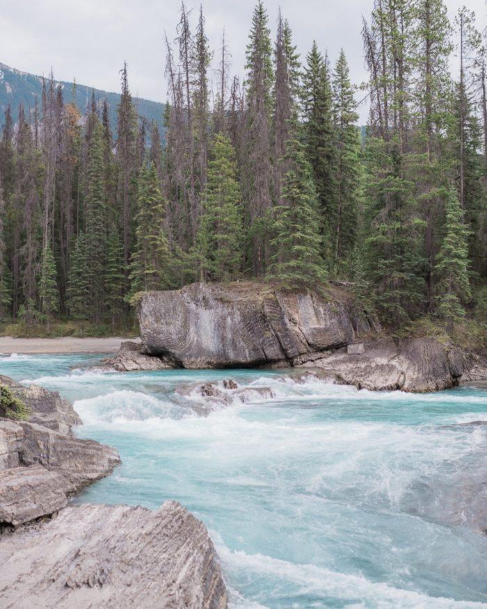 24 Emerald Lake Canadiian Rocky Mountain Styled Shoot