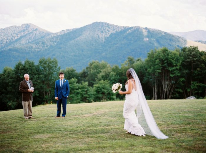 8 Swag Inn Smoky Mountain Elopement Jophotos Via Mountainsidebride Com