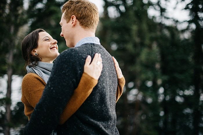 7 Vail Winter Engagement   Searching For The Light   Via MountainsideBride.com