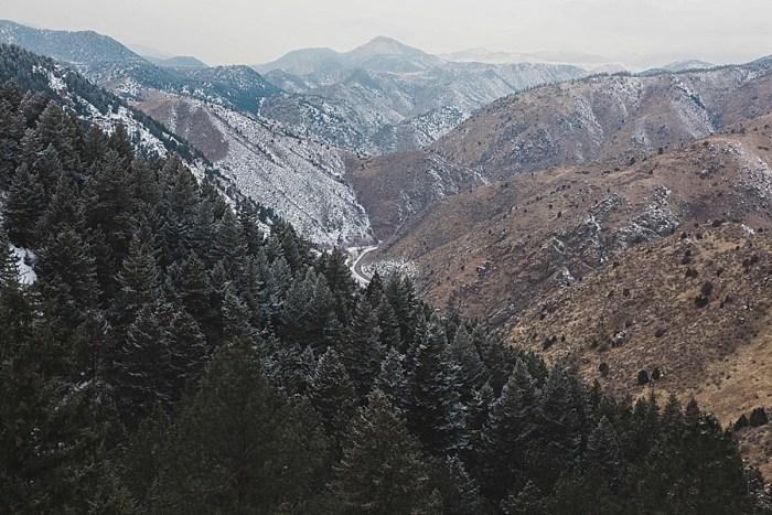 1 LookOut Mountain Colorado Bridal Shoot | Kyle Loves Tori Photography | Via MountainsideBride.com