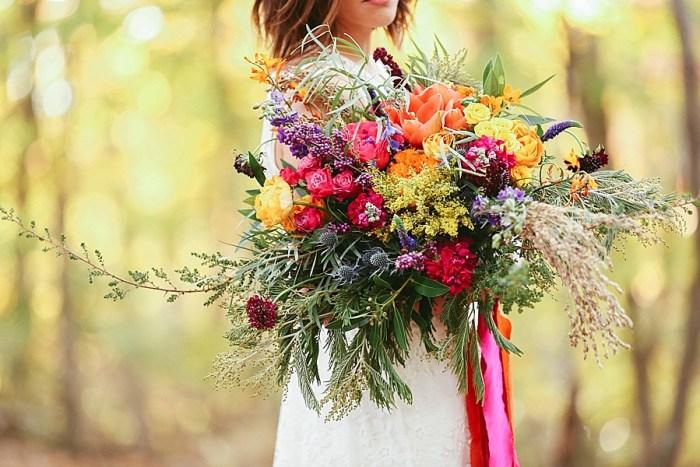 21 Colorful Bouquet | Blue Ridge Mountain Fol Inspration | Jordan Brannock Photography | Via MountainsideBride.com