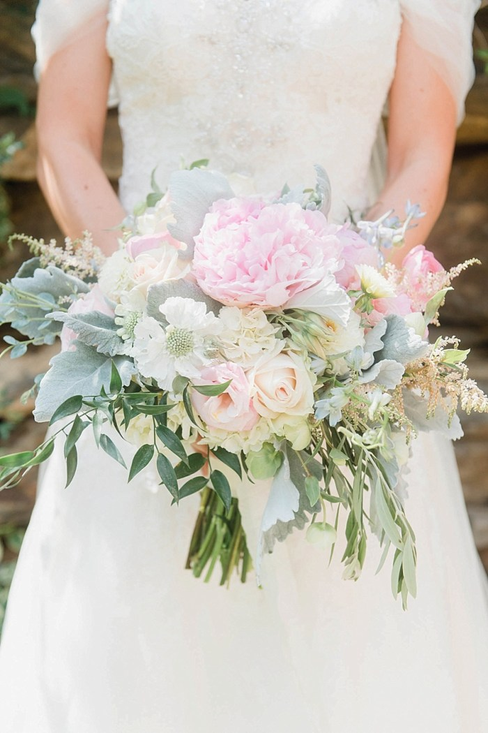 3 Bouquet 7 Sunshower Photography Via MountainsideBride.com
