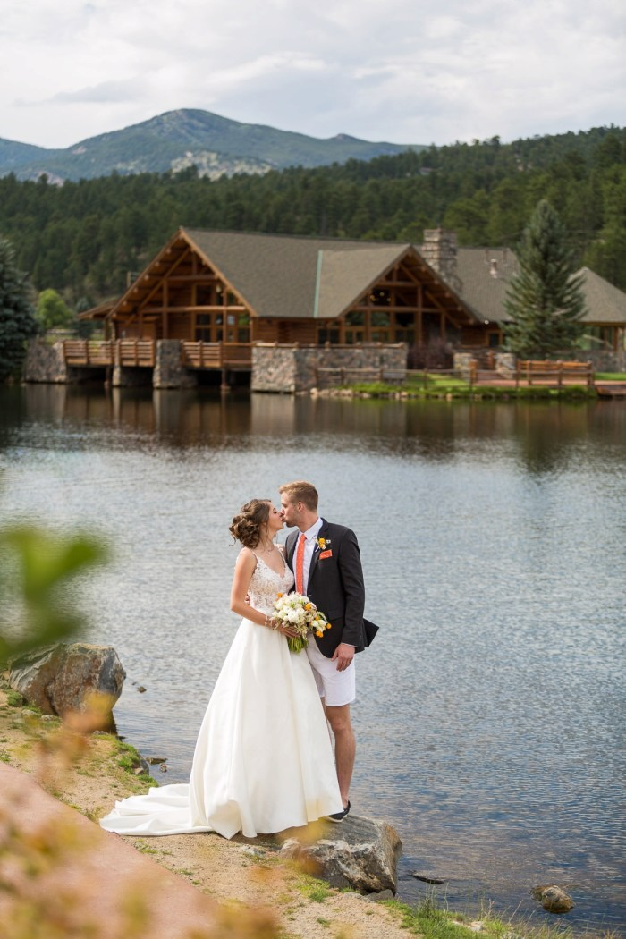 23 Colorado Lake House Wedding Inspiration Bergreen Photography Via MountainsideBride.com