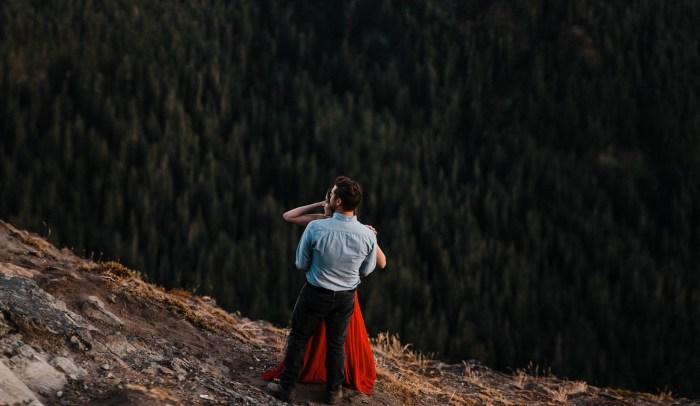 7 Mount Rainier Engagement Washington National Park The Foxes Photography Via MountainsideBride.com