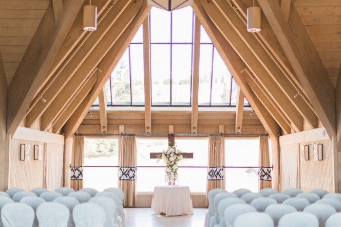 7 Timberline Lodge Oregon Susie And Will Photography Via MountainsideBride.com