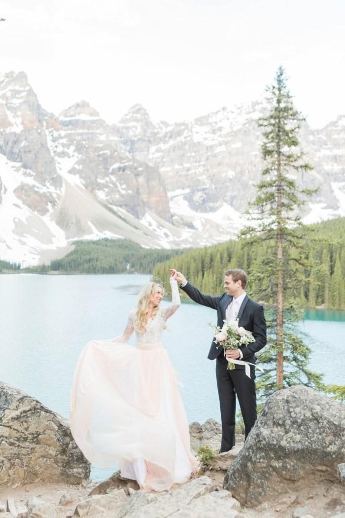 9 Banff Anniversay Ashley Tyler Anniversary KIR2BEN Via MountainsideBride.com