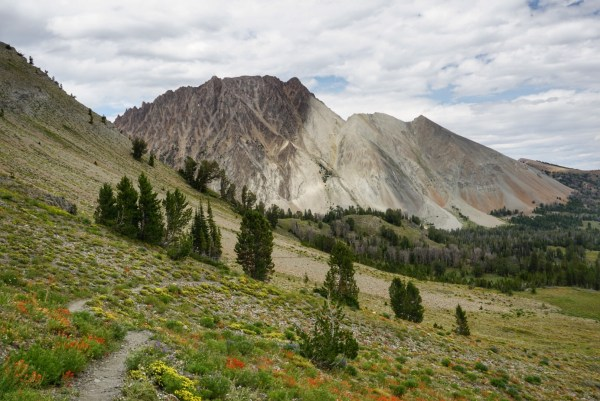 hiking through chamberlain basin