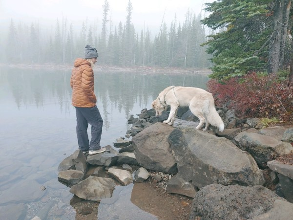 dog-friendly hikes in the bend oregon area