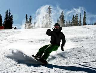 Top Tips for Buying Your First Snowboard