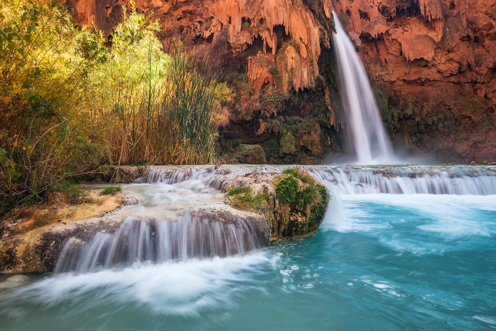 havasu falls glow blue green waters