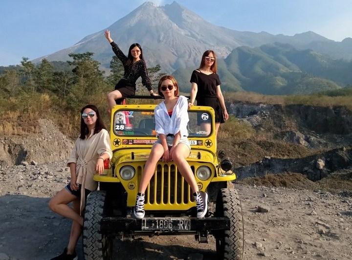 Yogyakarta Borobudur Merapi 4D3N