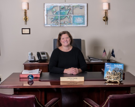 Mayor Linda Page