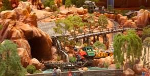 Big Thunder Mountain Railroad model at Disneyland Hotel