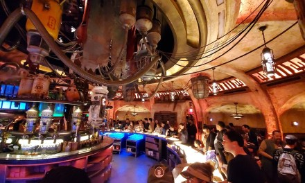 SWGE GUIDE: Inside 'Oga's Cantina' at Star Wars: Galaxy's Edge in Disneyland