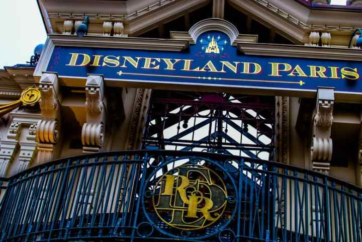 Want to know how to visit Disneyland Paris with kids and have a magical time. This ultimate guide to Disneyland Paris covers everything you need to plan your perfect Disney trip. #disneylandparis #dlp #disney #paris #travel #france #familytravel #travelplanning #destinations