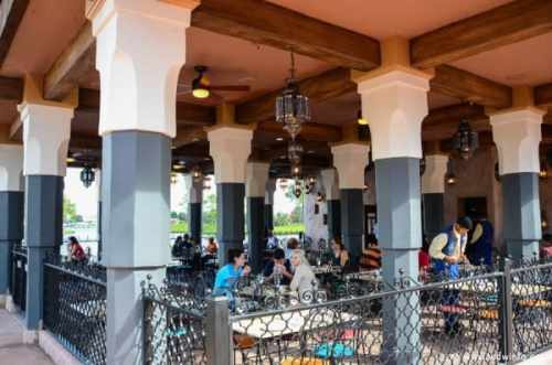 Walt Disney World Restaurants with Fireworks Views TheMouseForLess TheMouseForLess 8.7k followers Follow Walt Disney World (Magic Kingdom and Epcot) Restaurants with Fireworks Views of the nighttime shows while sitting inside the restaurant.