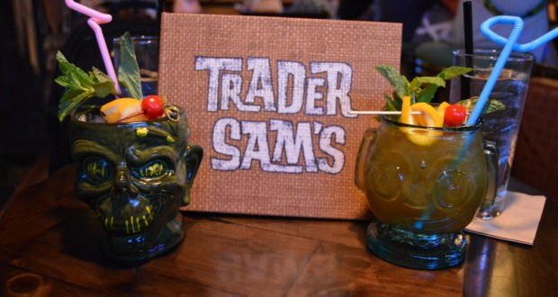 Polynesian-Resort-Trader-Sams-Drinks-Hippopotomai-tai-and-Shrunken-Zombie-Head-cocktails-620x330