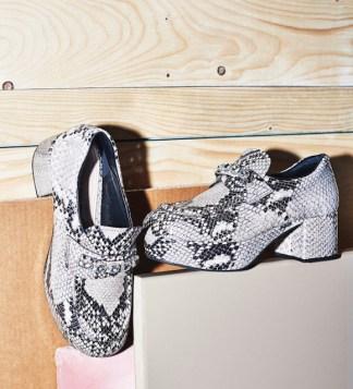zapatos print culebra  botas de piel de serpiente para hombre botas de serpiente outfit botines de vibora andrea botines piel de serpiente mujer zapatos de piel de serpiente para hombre zapatos piel de serpiente hombre snake print combinar zapatos animal print serpiente