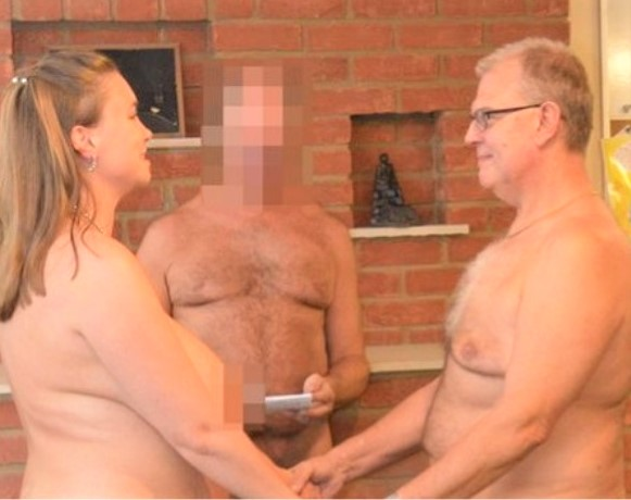 Couple goes naked in front of 40 unclad guests, officiator for wedding (Photos)