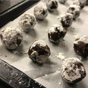 keto snowball chocolate cookies