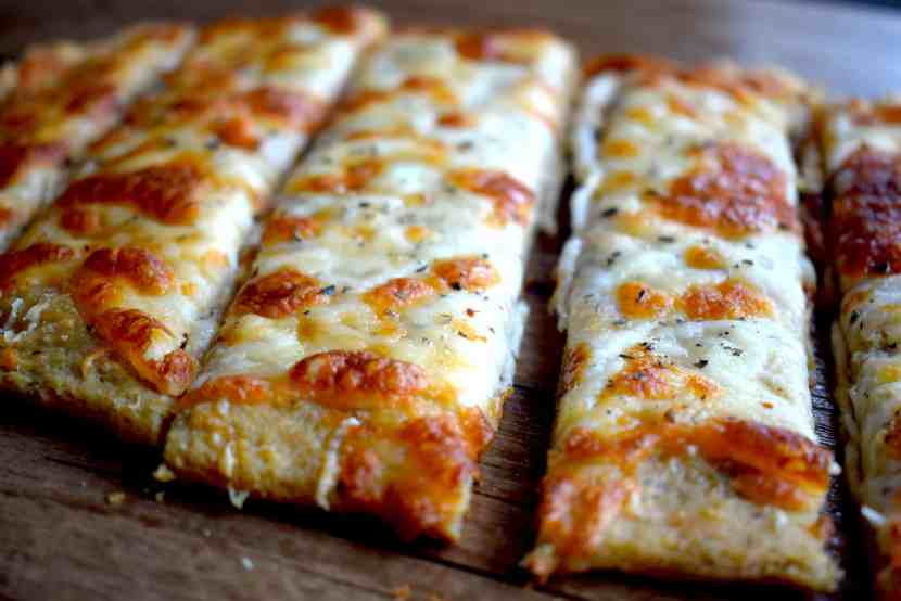 keto cheesy bread sticks