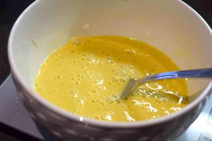 eggs heavy cream vanilla extract