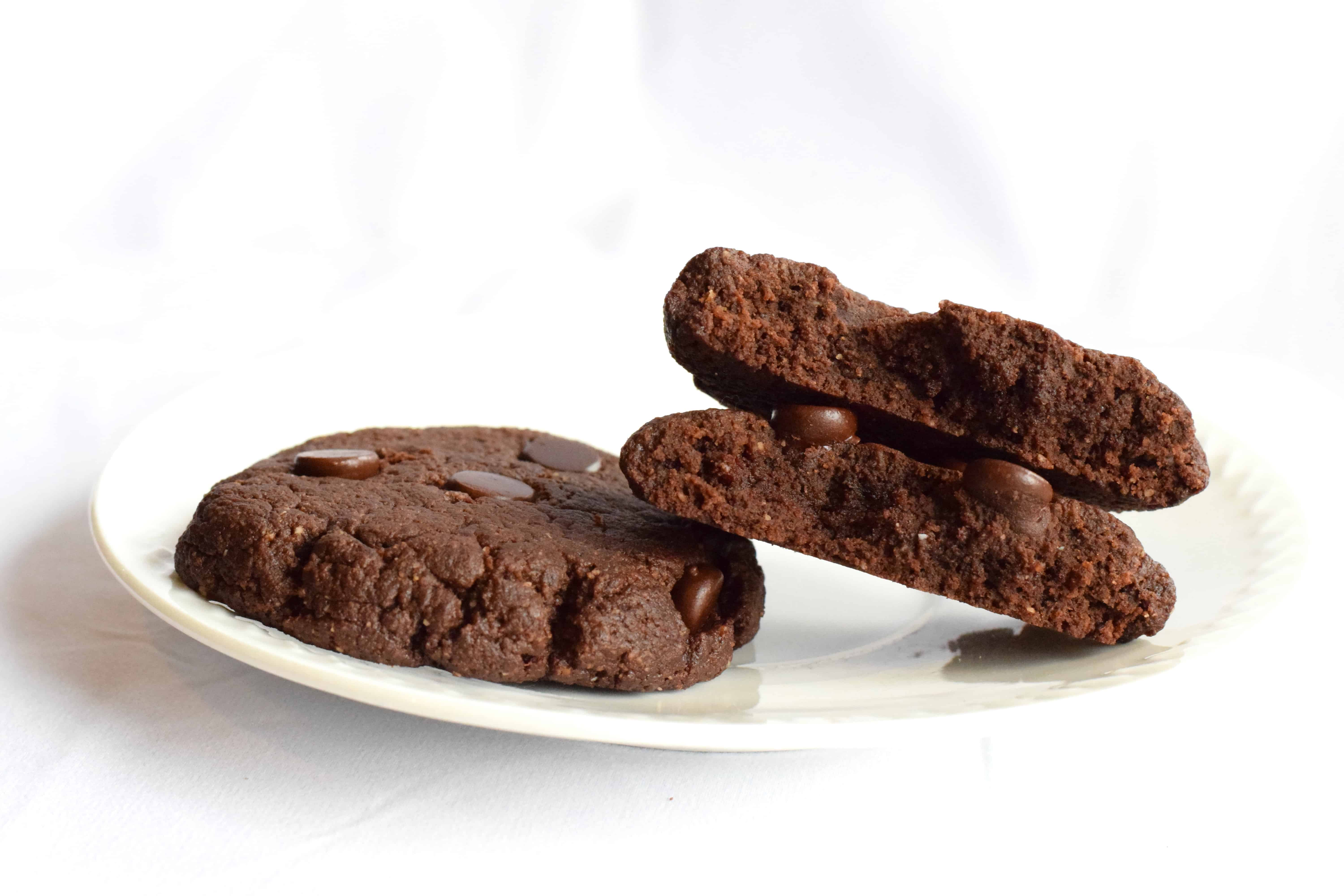 keto chewy double chocolate chip cookies recipe