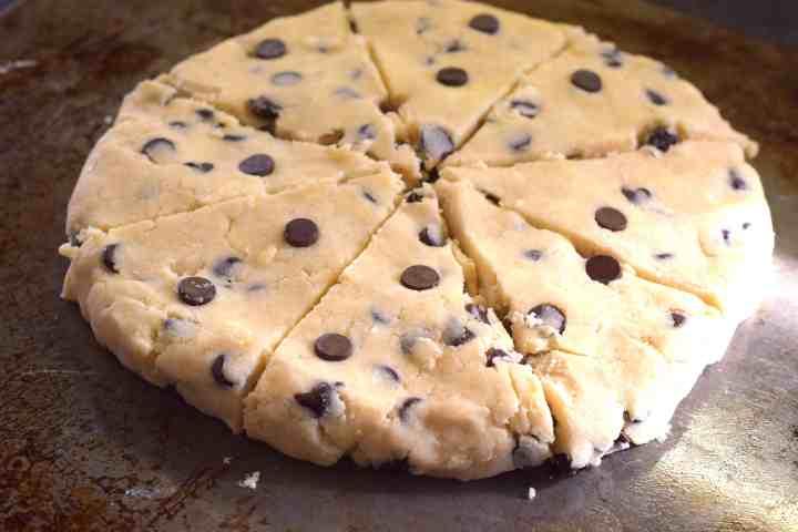 low carb keto chocolate chip scones recipe
