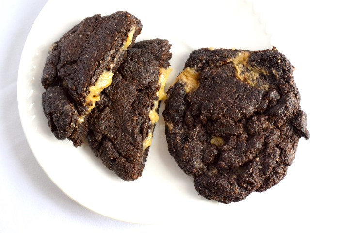 keto chocolate caramel filled cookies recipe