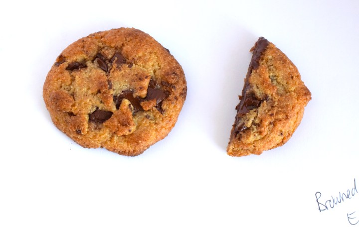 keto browned butter chocolate chip cookies
