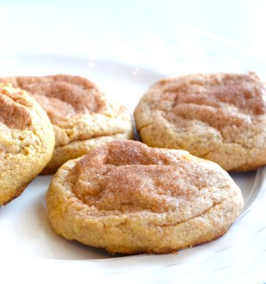 keto cheesecake stuffed snickerdoodle cookies