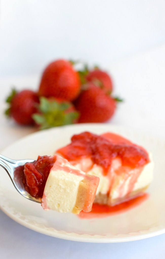 easy keto strawberry dessert