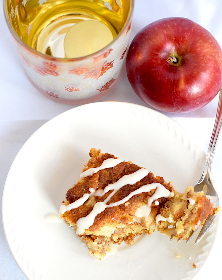 keto almond flour apple cake