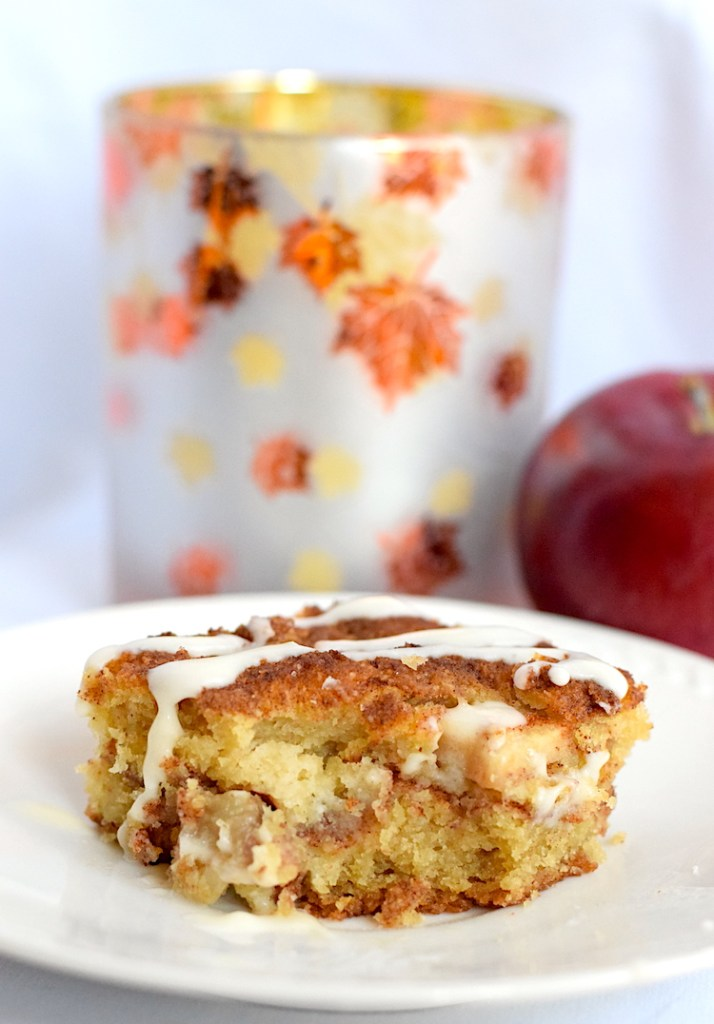 keto low carb apple cinnamon cake