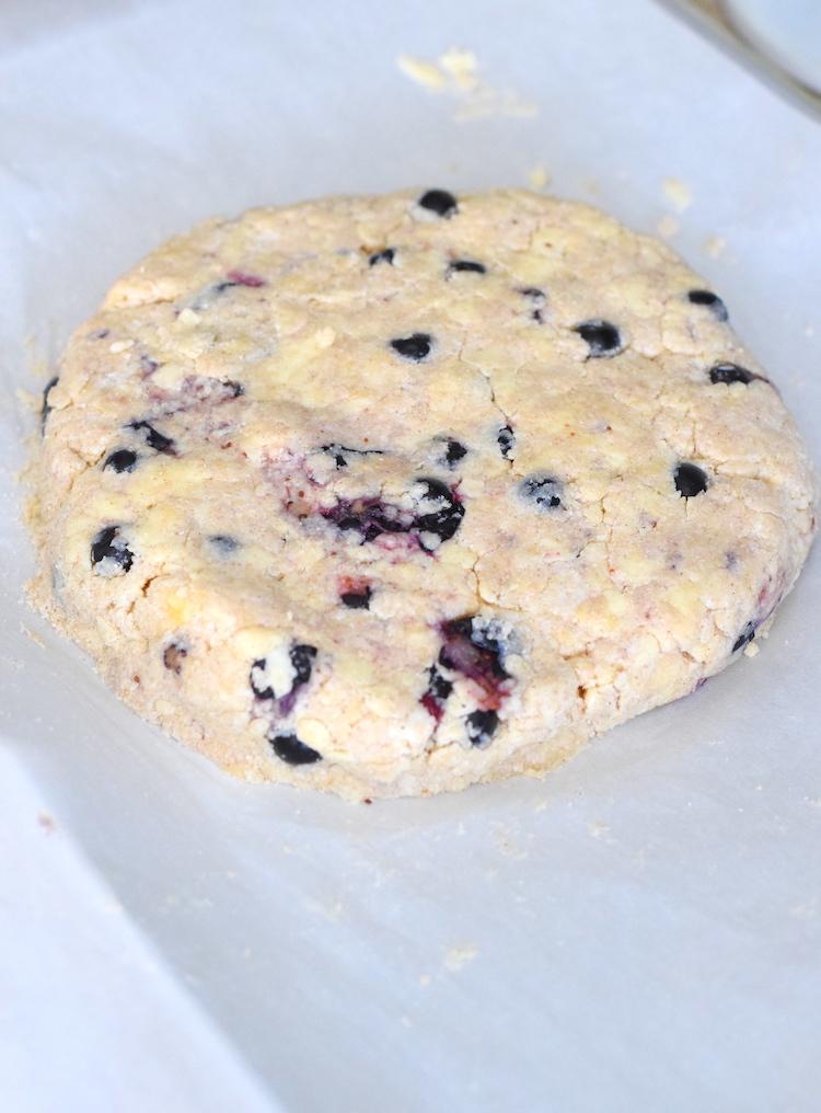 keto blueberry scones round