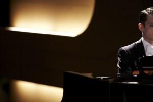 "Elijah Wood in Eugenio Mira's ""Grand Piano"""