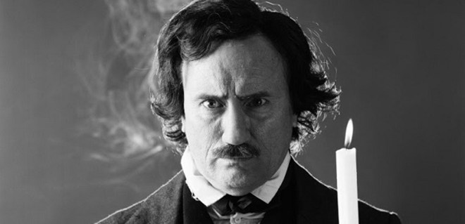 "Jeffrey Combs as Edgar Allan Poe in Stuart Gordon's ""Nevermore"""