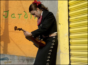 "A female mariachi singer in Doris Dorrie's ""Que Caramba Es La Vida"""