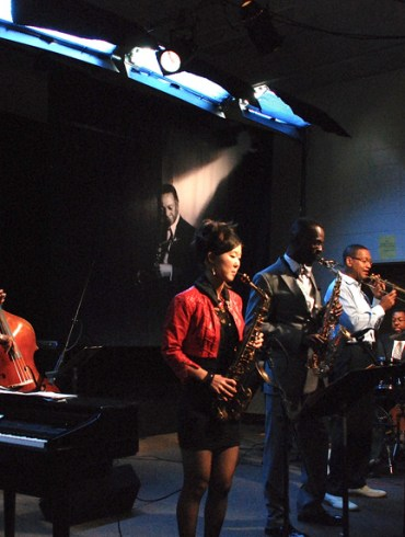 """The Frank Morgan Tribute band at San Quentin, L to R: George Cables, piano; Ron Carter, bass; Grace Kelly, alto; Mark Gross, alto; Delfeayo Marsalis, trombone; Marvin """"Smitty"""" Smith, drums."""