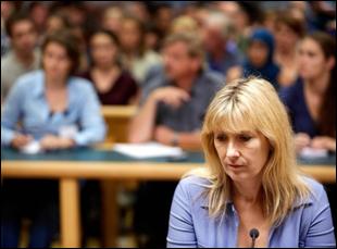 """Ariane Schluter in """"Lucia De B."""""""